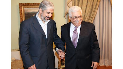 Hamas chief Khaled Meshaal with Palestinian President Mahmoud Abbas