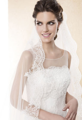 http://www.alessparis.fr/magnifique-une-couche-dentelle-tulle-longue-voile-de-mariage-p-9814.html