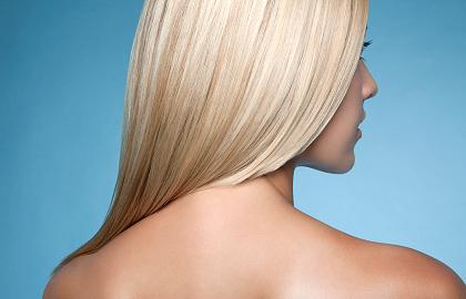 Ο τρόπος να βάψεις τα μαλλιά σου Ξανθά μόνη σου στο σπίτι e742381d643