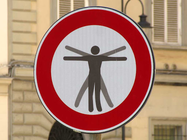 Clet Abraham, Vitruvian man on a no vehicles sign, via dei Fanciulli, Livorno
