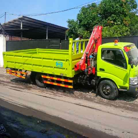 truck hino dutro 3 ton