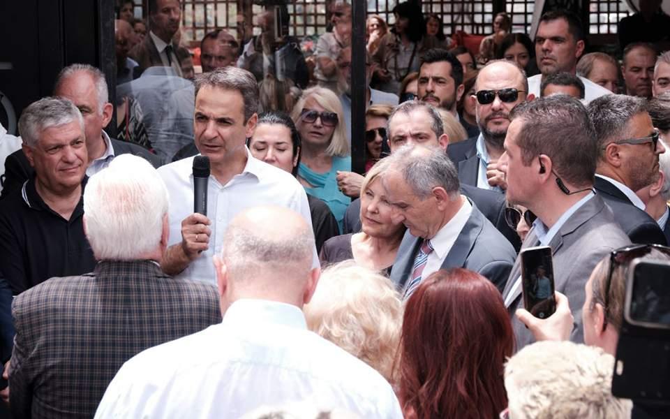 Το 39% των Ελλήνων αισθάνεται ντροπή & οργή για το παρόν & το μέλλον της χώρας αλλά όλοι υποστηρίζουν την κυβέρνηση