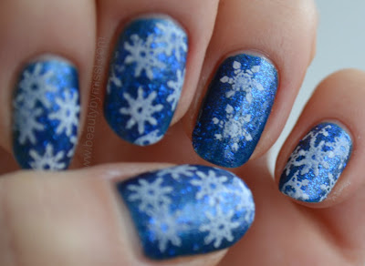 white & blue nails, notd, nails of the day