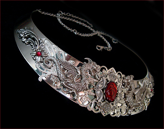 collier medieval torque dragon argent necklace dragons mythical Targaryen Daenerys jewelry torc silver red abalone paua shell jewel game of thrones middle ages queen