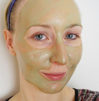 Bärbel Drexel - Klärende Maske mit Mineralerde