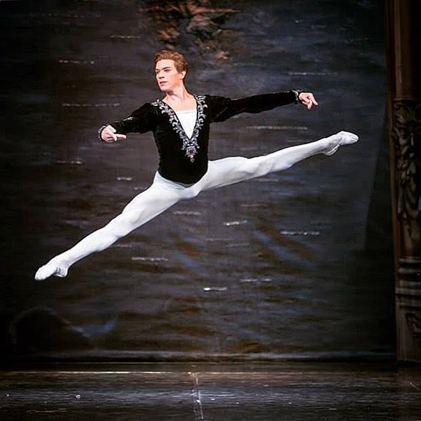 77c69c71c0d Διάσημοι σολίστ των μπαλέτων Μαριίνσκι έρχονται στην Αθήνα για τον  ΚΑΡΥΟΘΡΑΥΣΤΗ ΜΕ ΖΩΝΤΑΝΗ ΟΡΧΗΣΤΡΑ στο Christmas Theater!