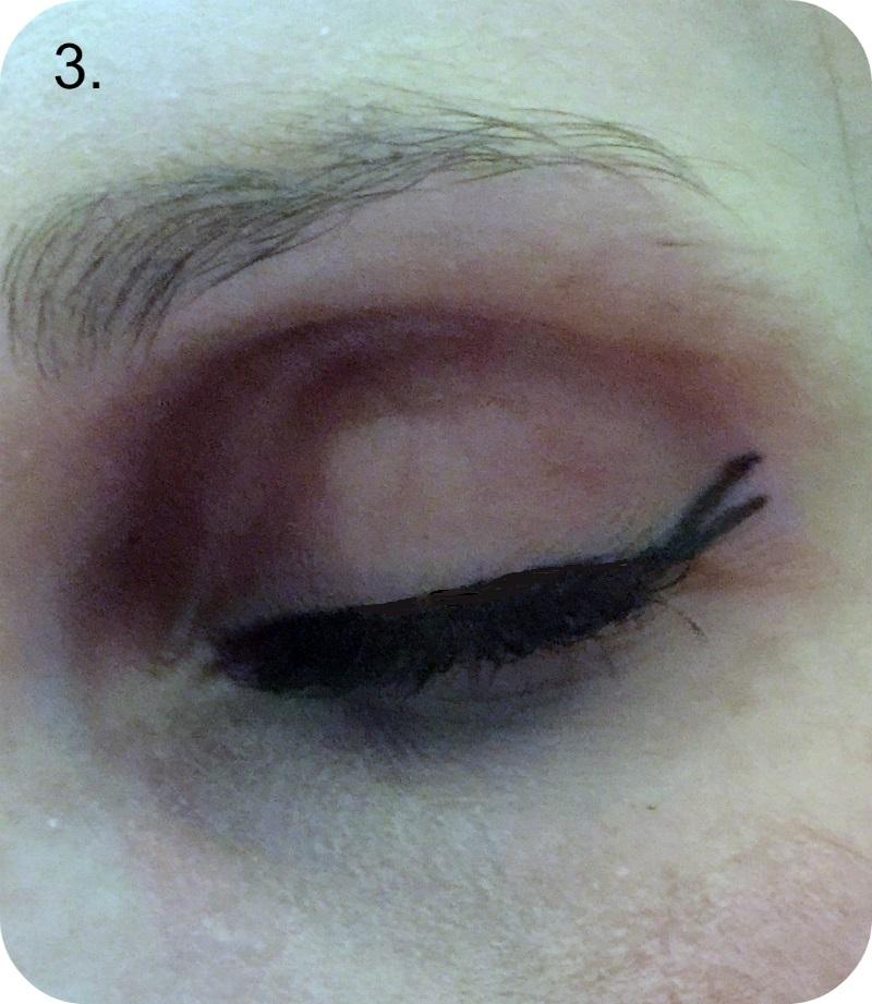 catwalk trend - scissor eye flick