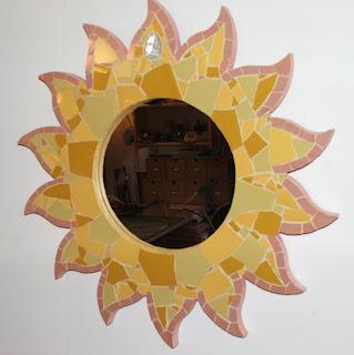 miroir soleil fait de la main d'un mosaïste professionnel séverine peugniez tout son univers créatif