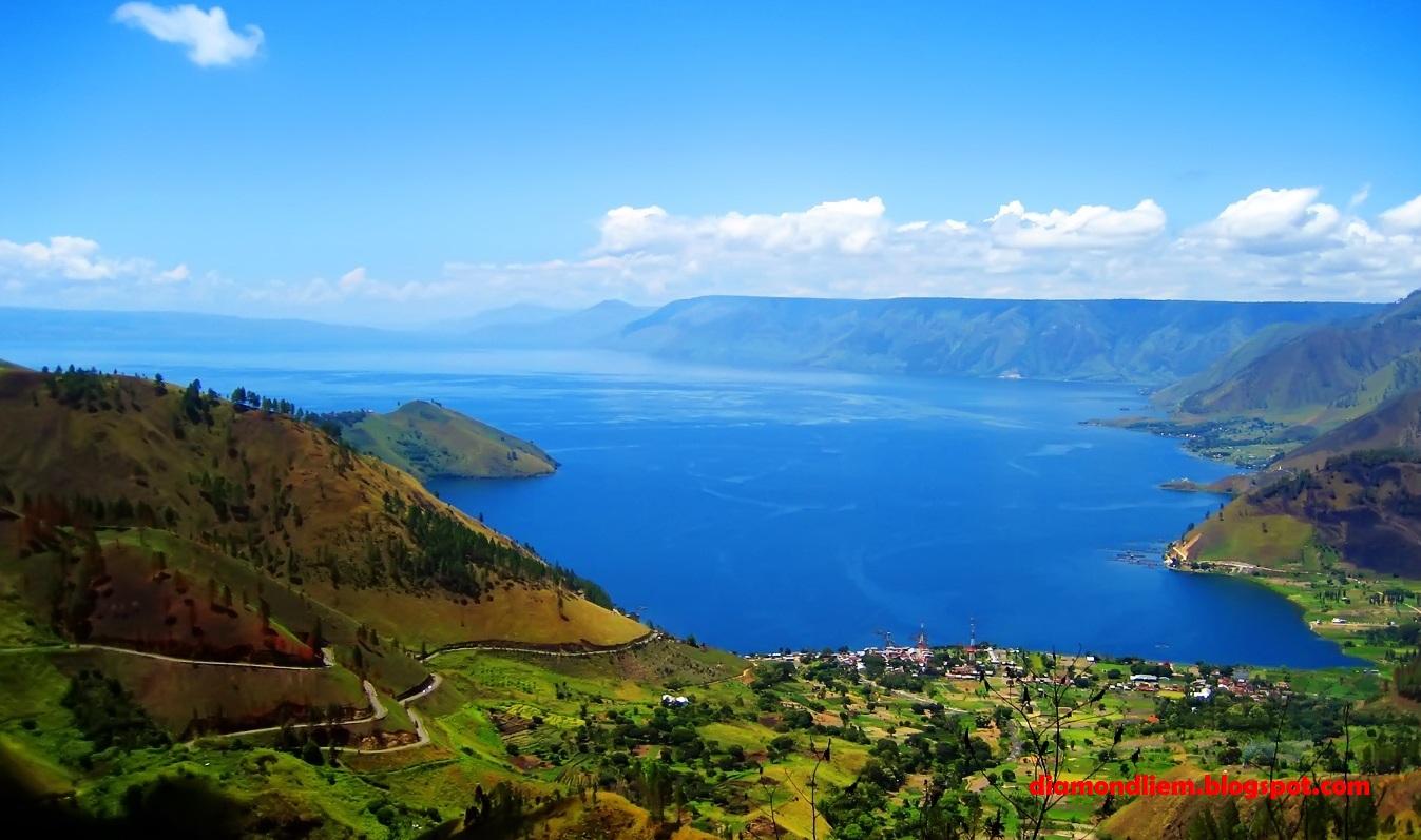 Alam Eksotis Situs Wisata Danau Toba