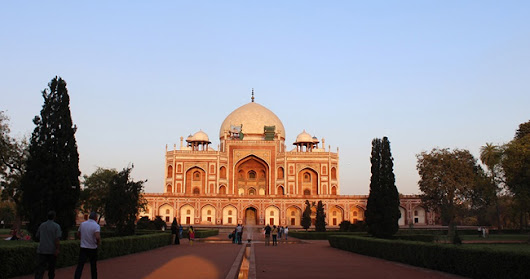 Direct Return Flights to Delhi from Moscow in the £200 - Low £300