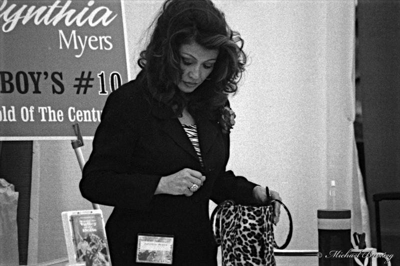 Cynthia Myers, San Diego Comic-Con International 2000