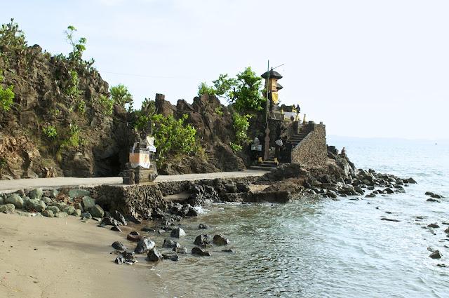 Lombok, pulau lombok, lombok island, indonesia, travel, travelling, wisata, jalan- jalan, pantai, pura batu bolong, senggigi