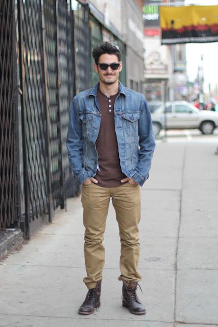como usar tons terrosos masculino, camisa jeans masculino,