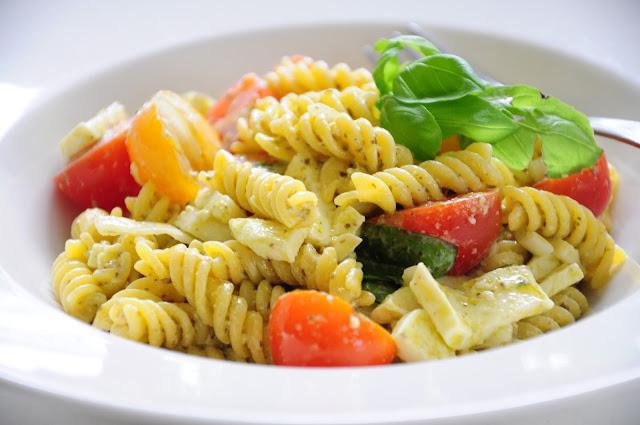 simola simola-blogi pastasalaatti pesto mozzarella