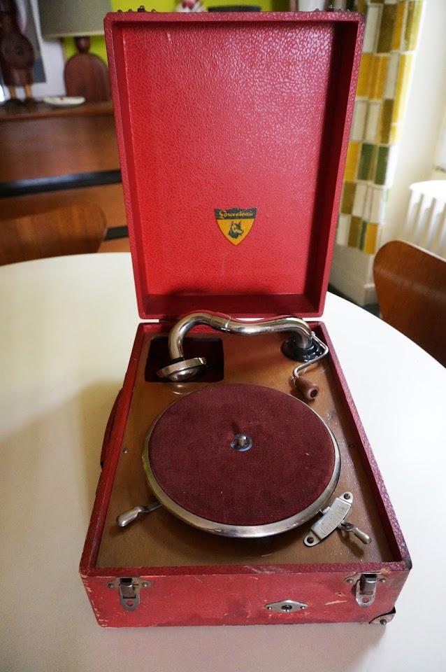 """un gramophone """"Louveteau"""" pour enfant"""