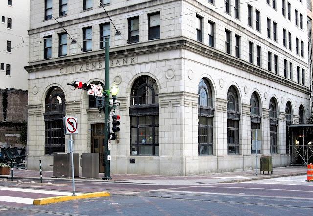 CITIZENS BANK BUILDING - STREET-LEVEL VIEW ACROSS MAIN STREET