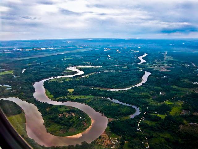 Wisata Sungai Gelombang Kampar
