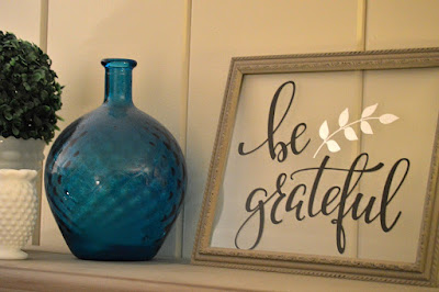http://myfamilythyme.com/dollar-tree-diy-sign-art-project/
