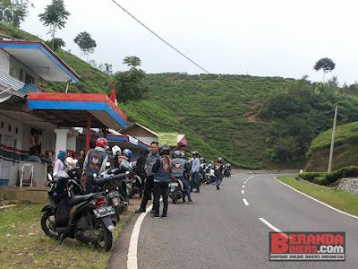 Tourgab 14 komunitas Forum Komunikasi Sadulur Bikers (FKSB) Bandung
