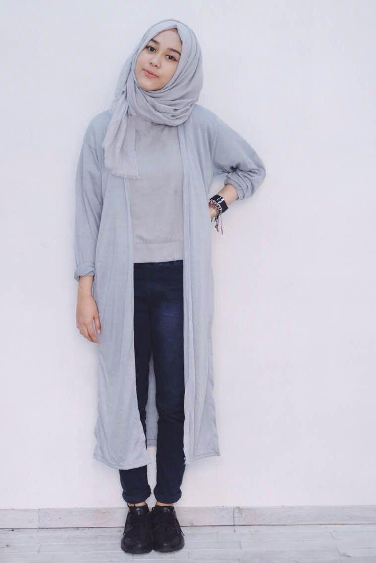 Celana Jenas Mahasiswi Hijab Manis ketat