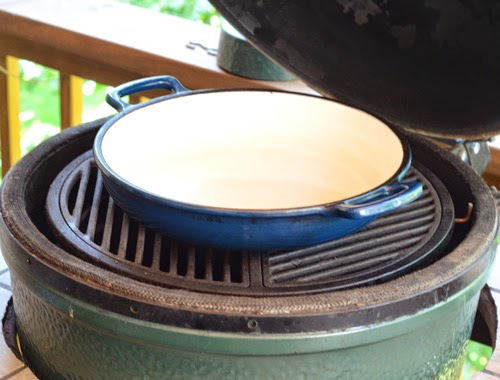 skillet on Big Green Egg, kamado skillet