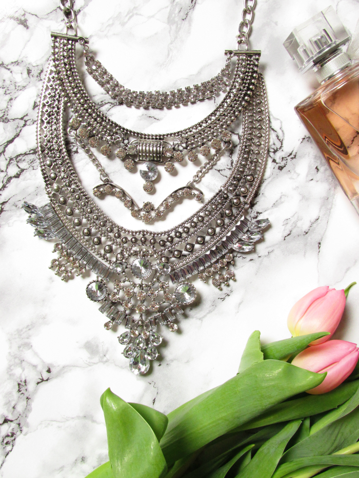 Review & Rabatt Code: Glamorous Over The Top Statement Necklace  - Happiness Boutique