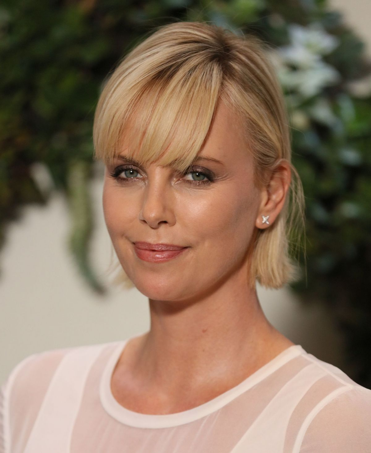 HQ Photos of Charlize Theron at Kubo and The Two String Photocall in Los Angeles