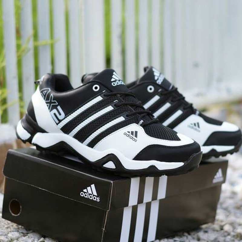 Sepatu olahraga adidas ax2 hitam putih