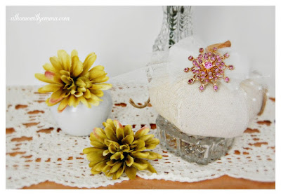 pumpkins-Fall-decorating-vignettes-white-pumpkins-athomewithjemma