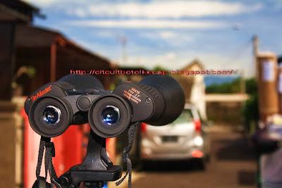 Binokular Celestron Skymaster 25 x 70 dapat digunakan sebagai lensa tele pada kamera ponsel.