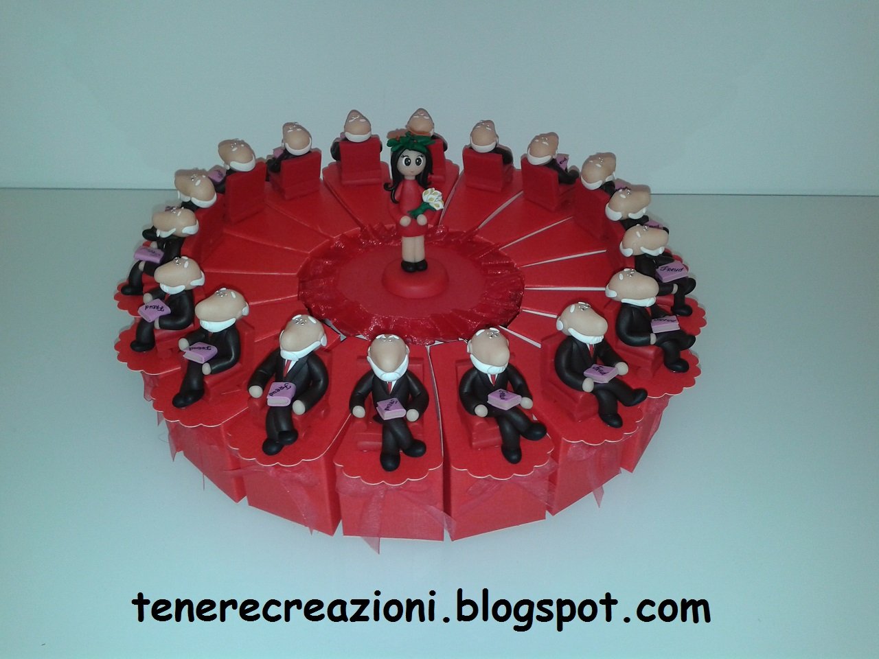 Torta bomboniere per laurea in psicologia b27ef32b0b22