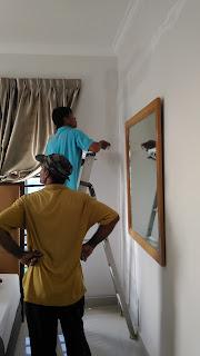 Warih-Homestay-Kerja-Skim-Dinding-Dilakukan-Dengan-Teliti