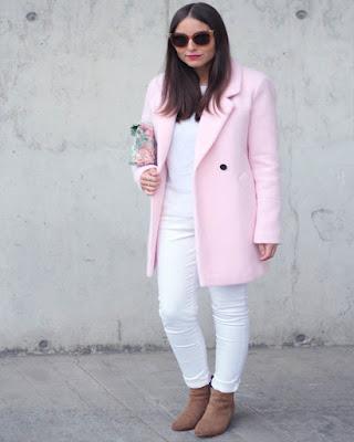 outfit de trabajo color pastel