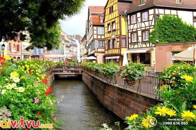 Khám phá ngôi làng Colmar yên bình và xinh đẹp