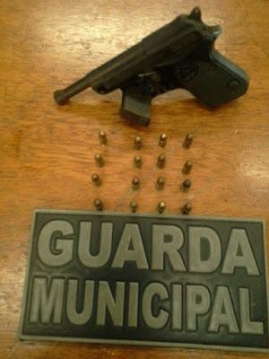 Guarda Civil Municipal de Vila Velha (ES) detém cinco indivíduos em posse de arma, drogas e dinheiro