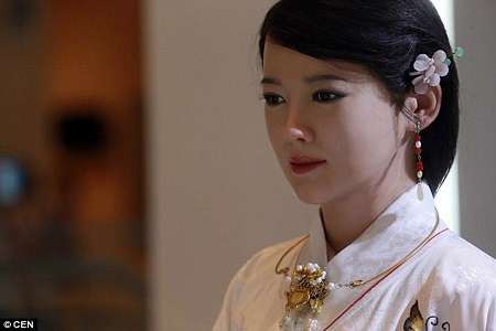 INCREDIBLE! !Meet the Smart and Sensational Female Robot Who Looks Like a Real Human (Photos)