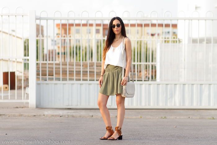 Blogger influencer de Valencia de moda con estilo y sandalias Isabel Marant