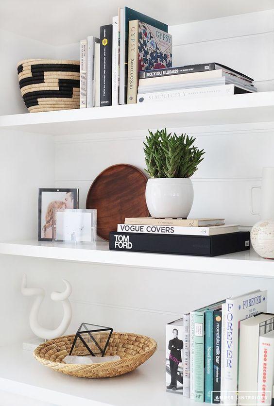 Styling Living room shelves | Norse White Design Blog