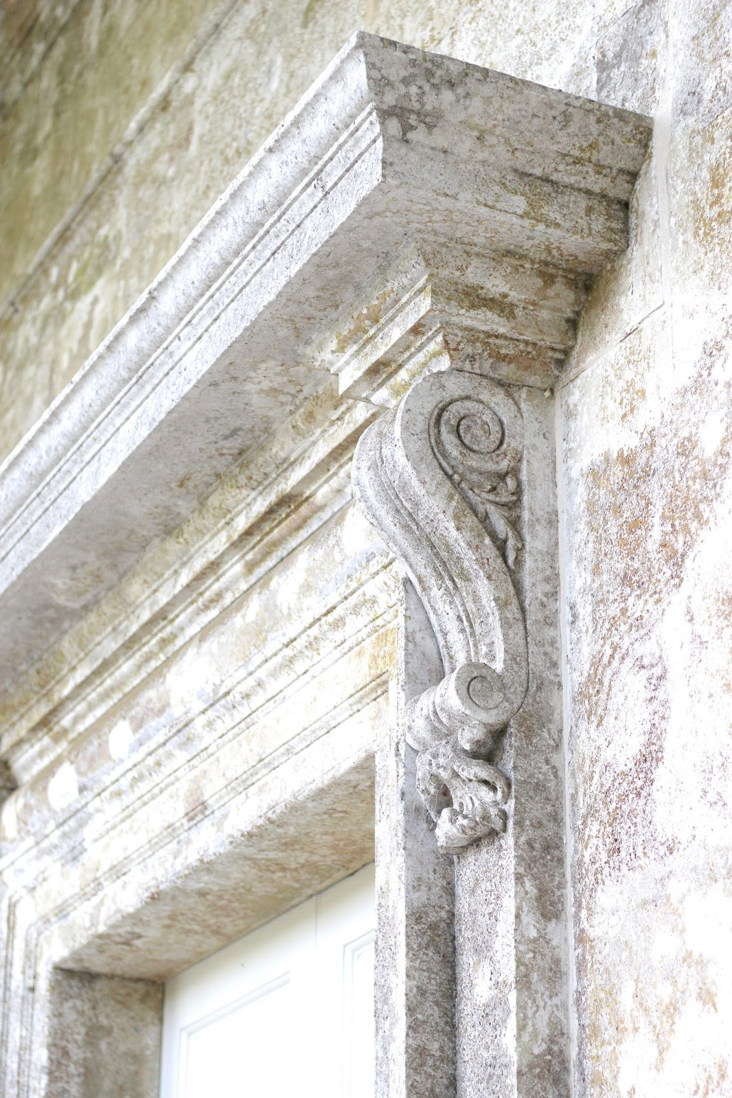 Roman architecture in England lifestyle blogger