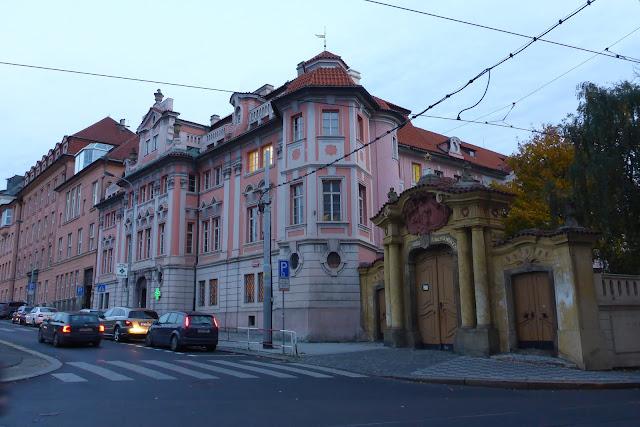 Maison Faust (Faustuv dum) Prague