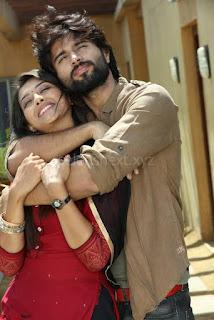 Pooja Jhaveri romancing Vijay Devarakonda in movie Dwaraka (16).jpg