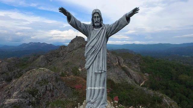 Wisata Religi Patung Yesus Buntu Burake Tana Toraja