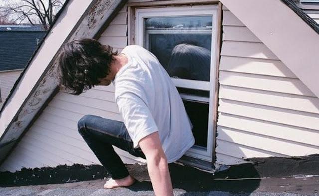 Reseña: El chico que se escabulle por la ventana de mi habitación