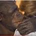 Χιμπατζής θυμάται και αγκαλιάζει γυναίκα που τον έσωσε πριν 20 χρόνια! (ΒΙΝΤΕΟ)