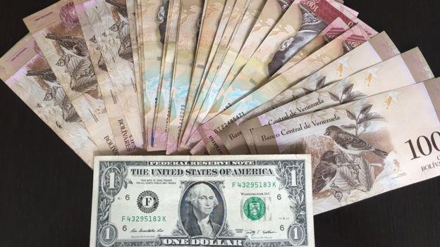 Breitbart: Venezuela devalúa su moneda en 178% y dice que es señal de recuperación económica
