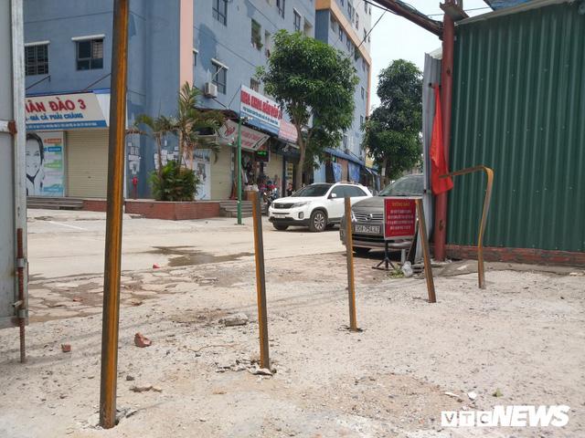 Giải tỏa bãi đỗ xe ở Linh Đàm và Kim Văn Kim Lũ - Ảnh 7