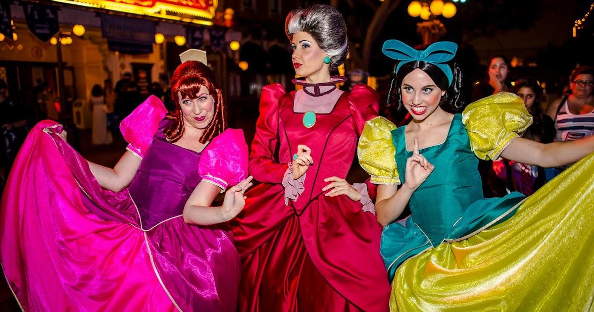 Disneyland Birthday Party At Goofy S Kitchen