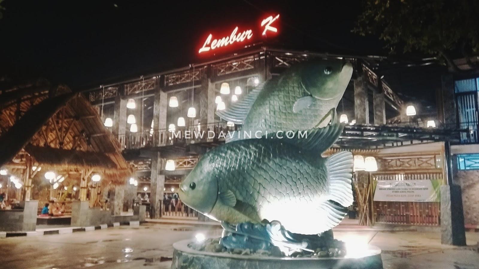 Tampilan depan restoran sunda Lembur Kuring Seafood Parung