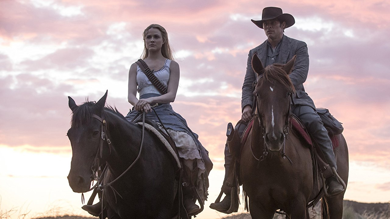 Fotografía de Dolores (Evan Rachel Wood) y Teddy (James Marsden) en Westworld