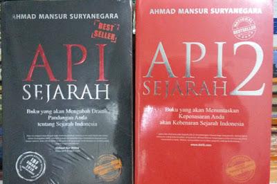 "Buku Best Seller ""Api Sejarah"""